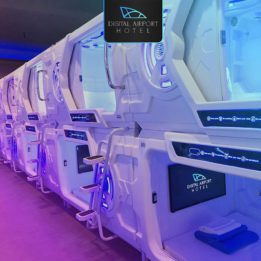 Indonesian Space Capsule Hotel In Jakarta International Airport Officially Opened Space Hotel Spacecapsule Hostel